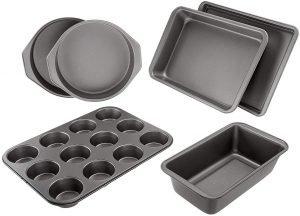 Amazon Basics 6 Piece Nonstick Oven Bakeware Baking Set
