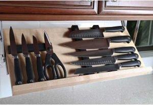 The Drop Block Under Cabinet Knife Block
