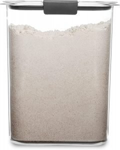 Rubbermaid Flour Container